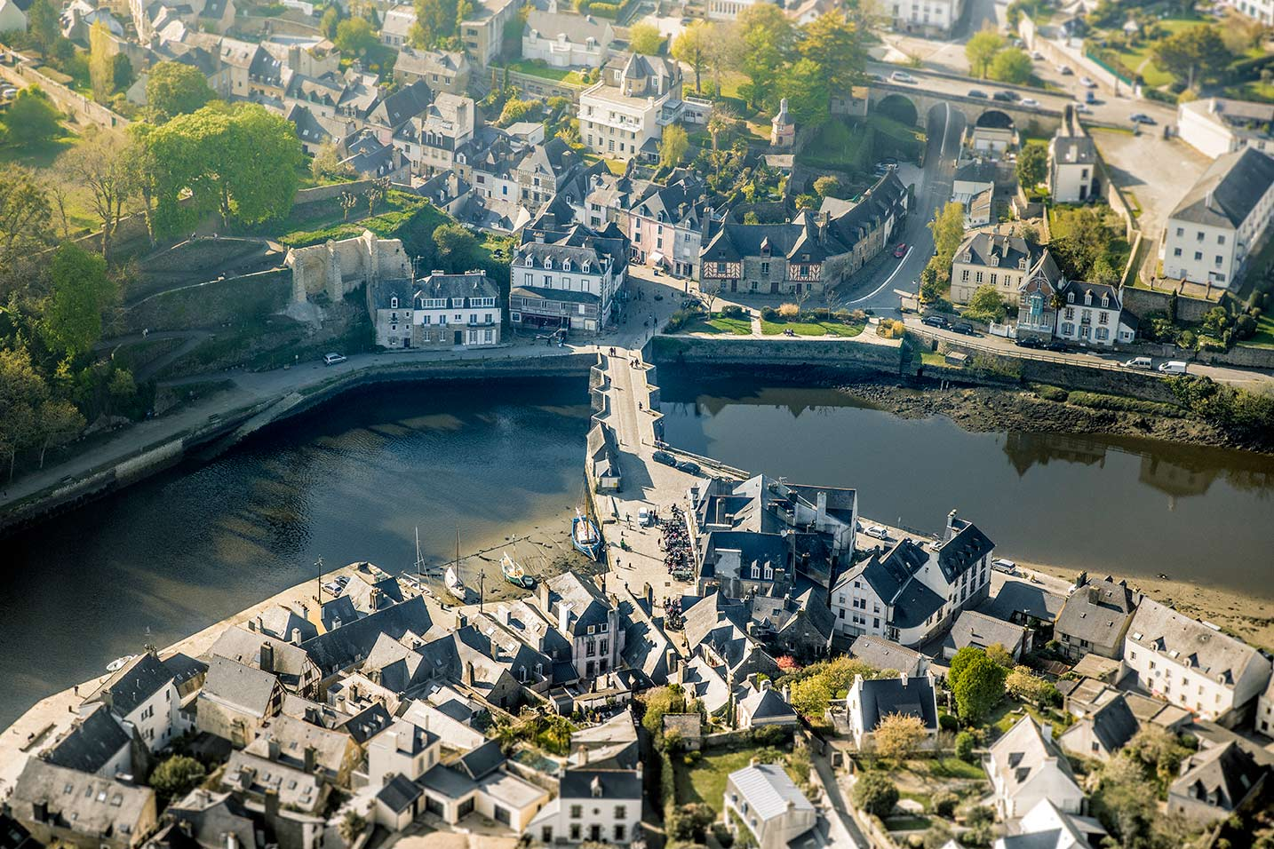 auray action connect coworking